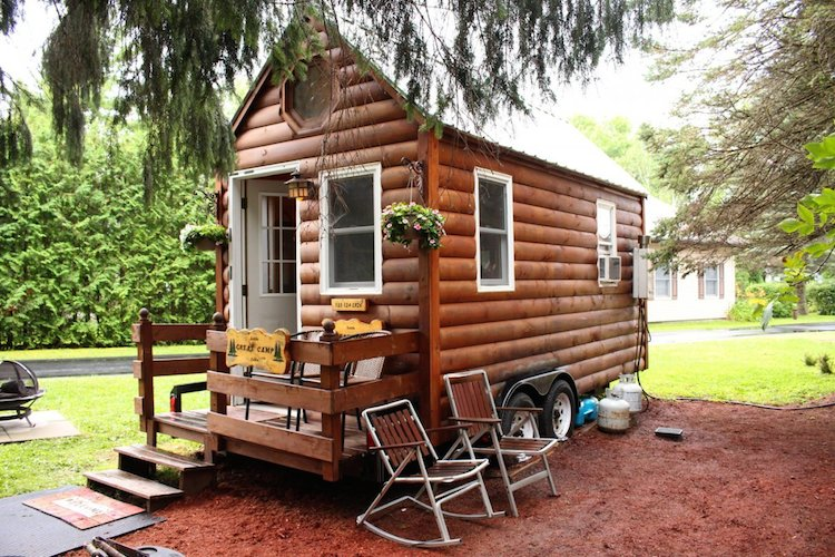Daughter Challenges Mom to a 3 Night Stay in a Tiny House