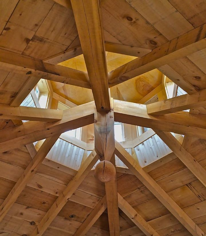 Beautiful craftsmanship in the ceiling