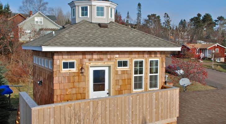 See the Harbor of Grand Marais From This Unique 2nd Floor Studio Nicknamed the 'Lighthouse'.