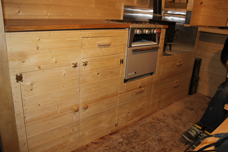 Lots of cabinet storage in the kitchen