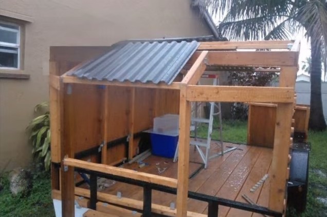 Installing the roofing panels