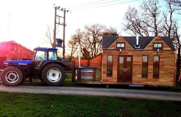 The house can be pulled with a tractor