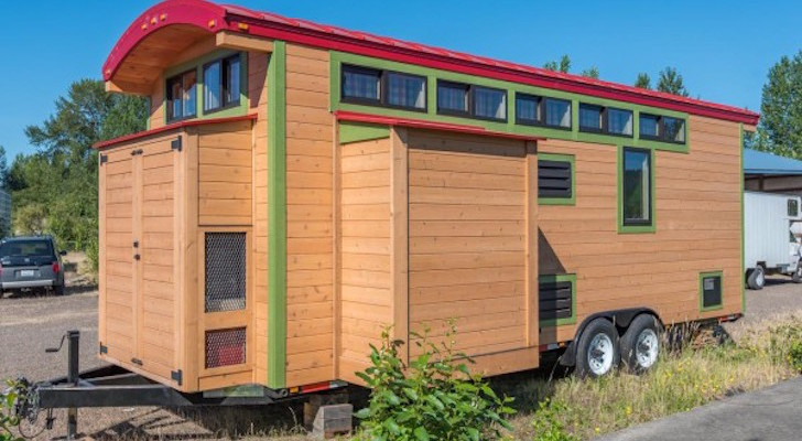 222 Sq. Ft. Tiny House With Expanding Slide-Outs (Just Like An RV)