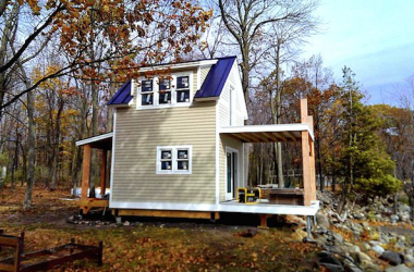 Two Story One Bedroom Cabin Perfect For Waterside Living